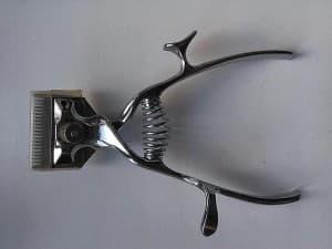 Ручная машинка для стрижки кошек